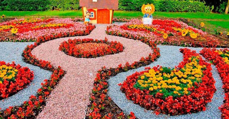 Как правильно организовать цветник самостоятельно
